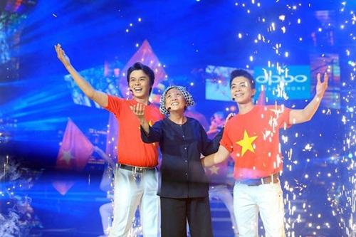 Thí sinh giả gái khiến Việt Trinh rơi nước mắt - 10