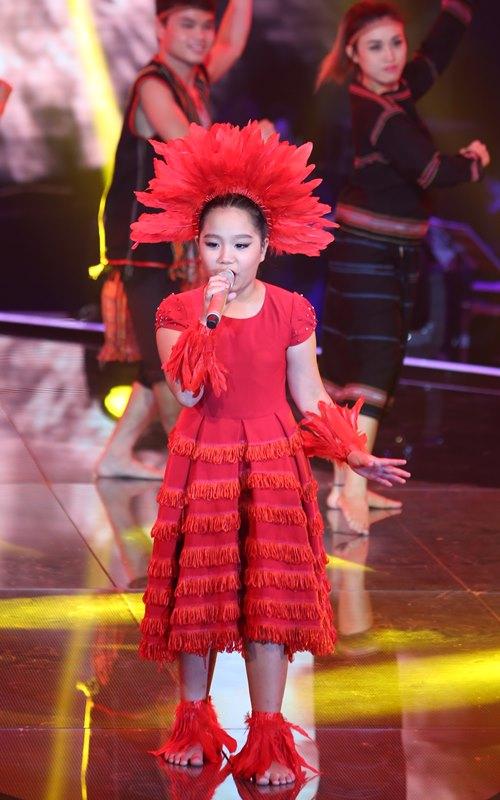 Cô bé quy y dừng bước ở Giọng hát Việt nhí - 10
