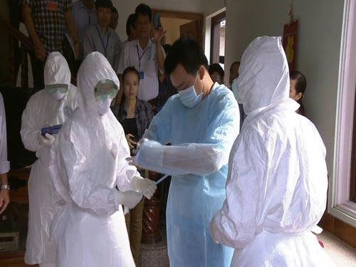 Tận mắt xem tình huống cách ly người VN nghi nhiễm Ebola - 11