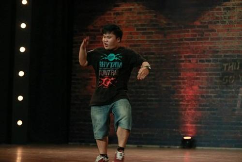 Thí sinh vượt bệnh tật thi nhảy khiến người xem xúc động - 11