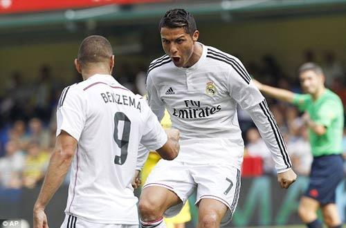 MU: Mua Ronaldo, phải bán Mata và Persie - 1