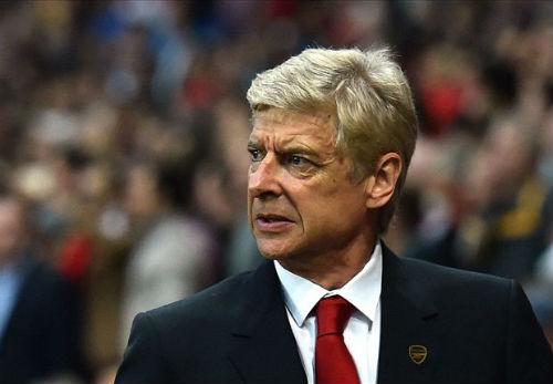 HLV Wenger chỉ trích lối chơi của Tottenham - 1