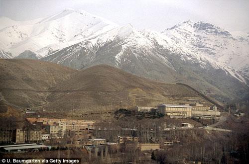 Đòi xem bóng chuyền nam, một phụ nữ Iran bị tống giam - 3