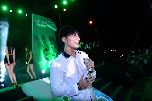 Sơn Tùng MT - P bỏ show tỉnh lẻ, hát sung ở Đà Nẵng - 4