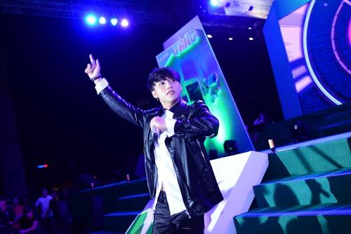 Sơn Tùng MT - P bỏ show tỉnh lẻ, hát sung ở Đà Nẵng - 3
