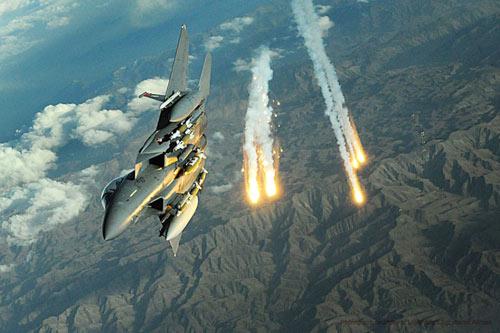 """Khám phá """"đàn chim sắt"""" tham gia không kích IS - 5"""
