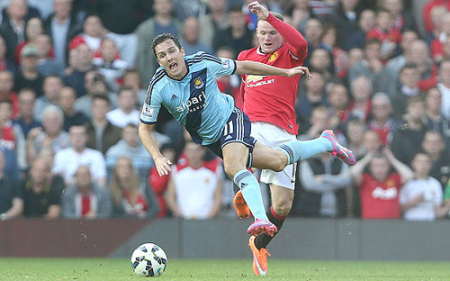 Rooney có xứng đáng làm đội trưởng? - 1
