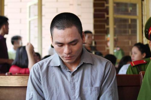 Tòa hoãn phiên xử, dân đòi đánh Lý Nguyễn Chung - 4
