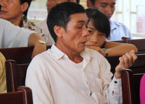Tòa hoãn phiên xử, dân đòi đánh Lý Nguyễn Chung - 5