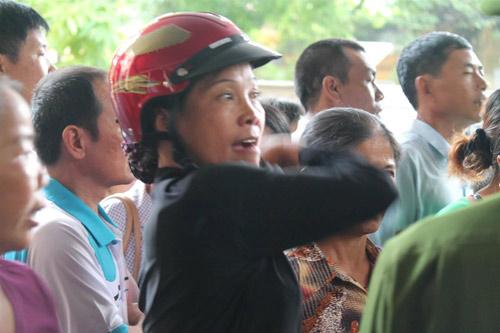 Tòa hoãn phiên xử, dân đòi đánh Lý Nguyễn Chung - 9