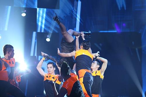 """Thu Minh chứng tỏ đẳng cấp """"nữ hoàng nhạc dance"""" - 4"""