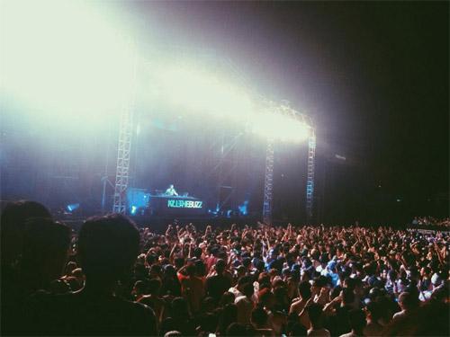 Hot girl chia sẻ về đêm nhạc của DJ số 1 thế giới - 6