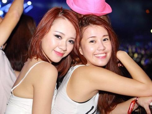 Hot girl chia sẻ về đêm nhạc của DJ số 1 thế giới - 5
