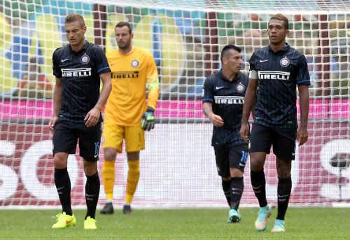 Serie A sau V5: Juventus bay cao cùng Tevez - 2
