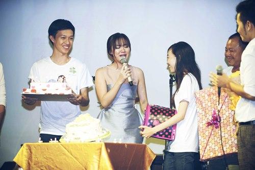Văn Mai Hương đón sinh nhật bên 4 hot boy nhạc Việt - 7