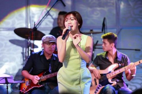 Văn Mai Hương đón sinh nhật bên 4 hot boy nhạc Việt - 11