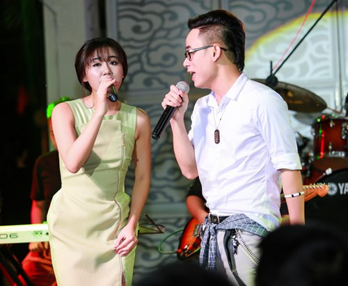 Văn Mai Hương đón sinh nhật bên 4 hot boy nhạc Việt - 13