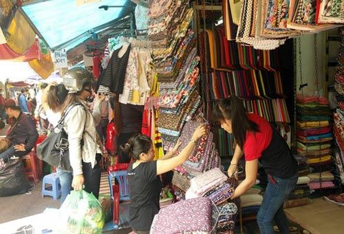 """TP HCM: Chợ Tân Bình vẫn tiếp tục """"nóng"""" - 1"""