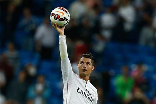 Real: Ronaldo săn kỷ lục, Benzema tìm niềm tin - 1