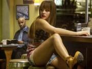 """Phim - Bạn gái quý tử nhà Beckham làm """"gái bán hoa"""" gây sốt"""