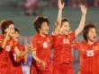 Khi bóng đá Việt và Thái cùng chen nhau ra biển