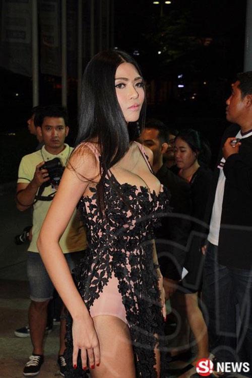 """Dàn sao Thái Lan mang """"thảm họa"""" váy áo lên thảm đỏ - 6"""