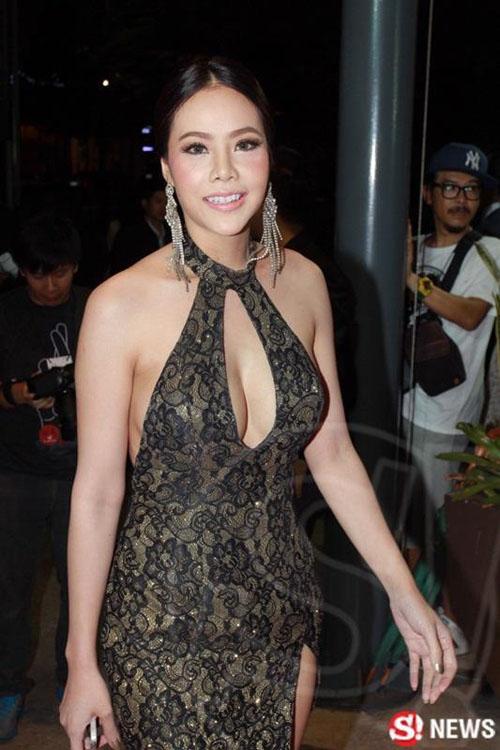 """Dàn sao Thái Lan mang """"thảm họa"""" váy áo lên thảm đỏ - 10"""