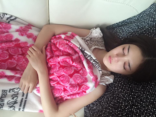 Hot girl Lilly Luta ngủ vẫn rất xinh đẹp - 5