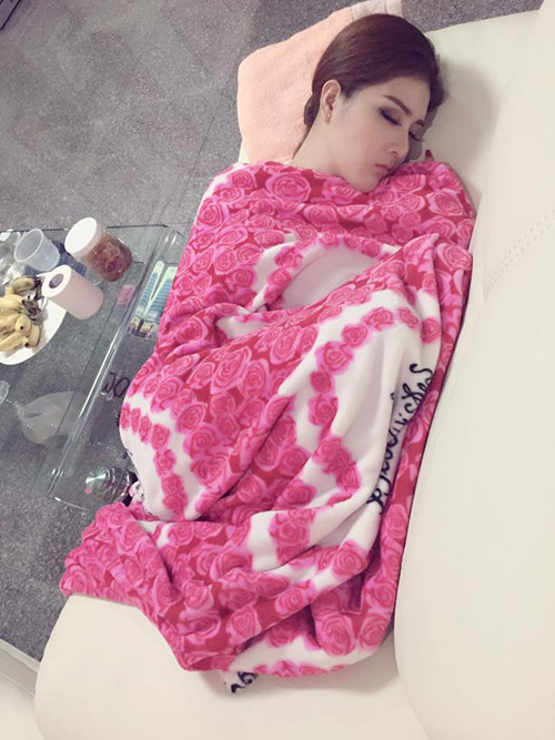Hot girl Lilly Luta ngủ vẫn rất xinh đẹp - 8