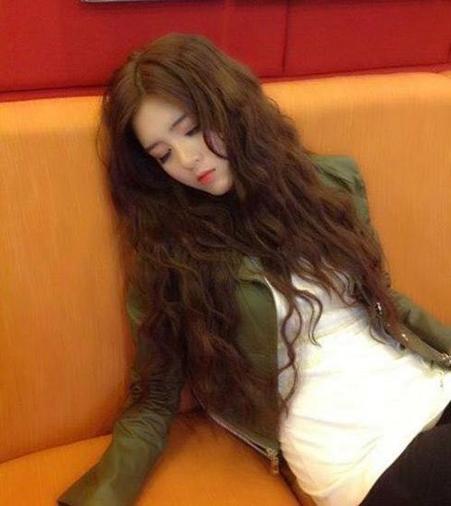 Hot girl Lilly Luta ngủ vẫn rất xinh đẹp - 9