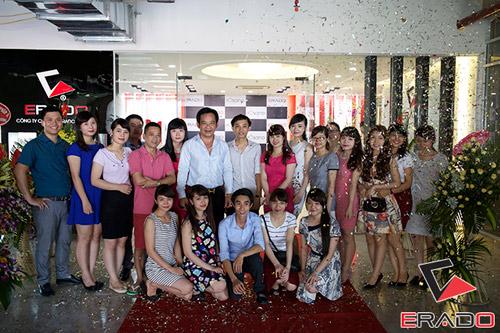 Quang Tèo, Bình Trọng rủ nhau đi dự khai trương nội thất Erado - 1