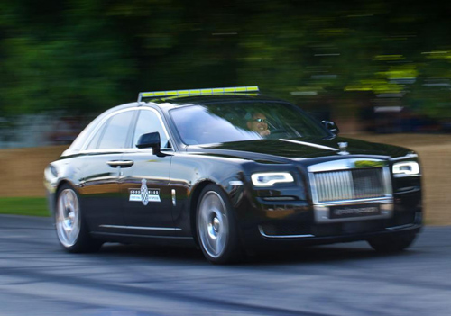 "Rolls-Royce Wraith cho Porsche 918 Spyder ""ngửi khói"" - 2"