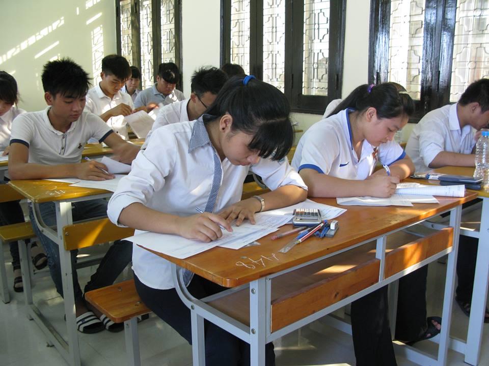 Đề thi Tiếng Anh không lắt léo nhưng khó đạt điểm 10 - 1