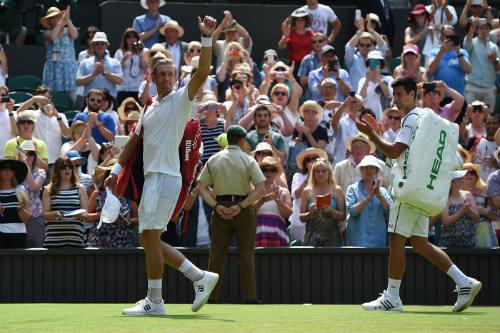 """Wimbledon ngày 3: Tạm biệt """"hoa khôi"""" - 12"""