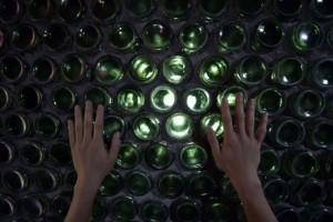 Độc đáo ngôi nhà làm từ hơn 8.000 vỏ chai bia