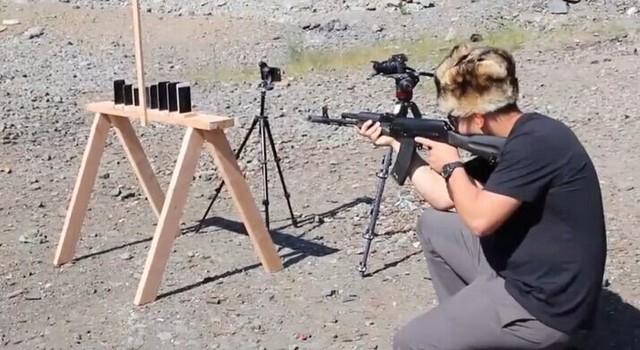 Bao nhiêu chiếc iPhone mới chặn được đạn AK-74? - 6