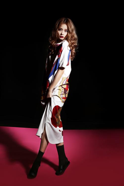 Người mẫu Hoàng Oanh khoe trọn vai thon, lưng trần - 7