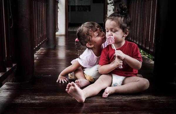 Mê mẩn với cặp sinh đôi đẹp như thiên thần của diva Hồng Nhung - 6