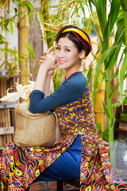 """Á hậu Tú Anh """"hóa"""" cô Tấm với áo dài dân tộc - 4"""