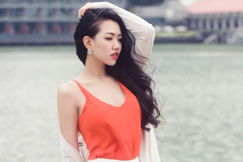 Joxy Thùy Linh khoe bộ ảnh mới trong chuyến công tác tại Singapore - 5