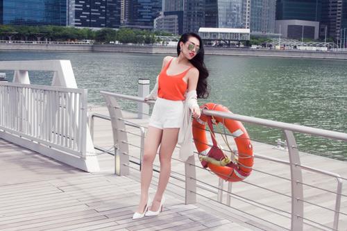 Joxy Thùy Linh khoe bộ ảnh mới trong chuyến công tác tại Singapore - 7