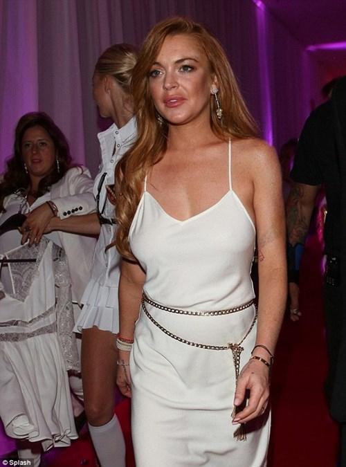"""""""Gái hư"""" Lindsay Lohan xập xệ như U50 ở tuổi 28 - 5"""