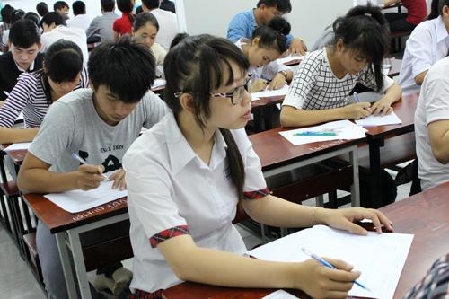 Thi THPT Quốc gia: Khó đạt điểm cao môn Vật lý - 9