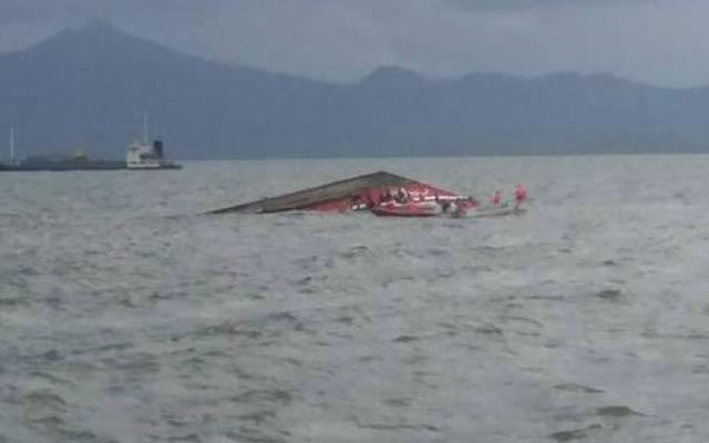 Philippines: Phà chở 189 người lật úp, ít nhất 36 người thiệt mạng - 1