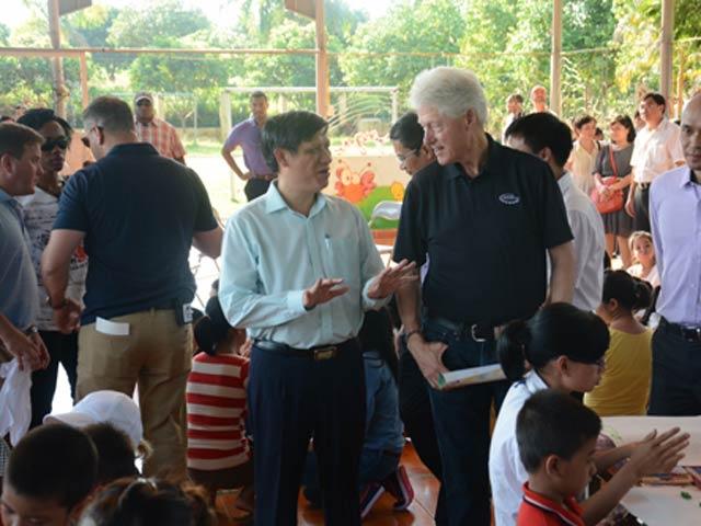 4.000 trẻ nhiễm HIV Việt Nam được điều trị thuốc kháng virus - 1