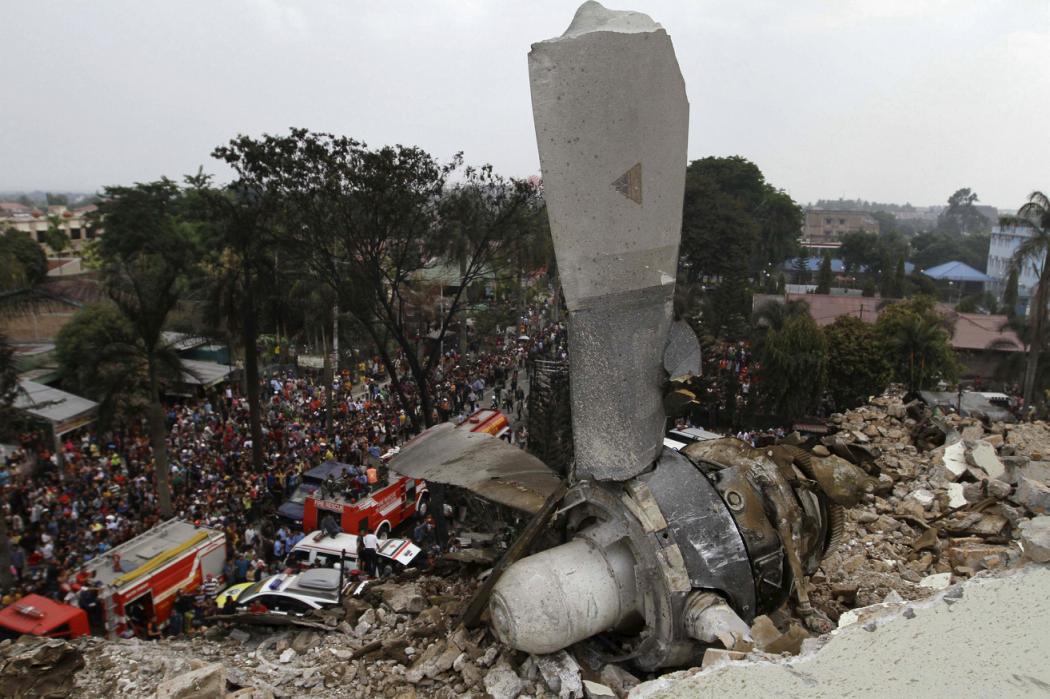 Tai nạn máy bay thảm khốc ở Indonesia: Hé lộ nguyên nhân - 2