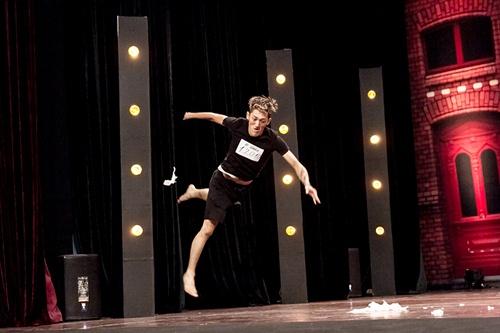 Vũ công 1 tay gây bất ngờ tại Thử thách cùng bước nhảy 2015 - 3