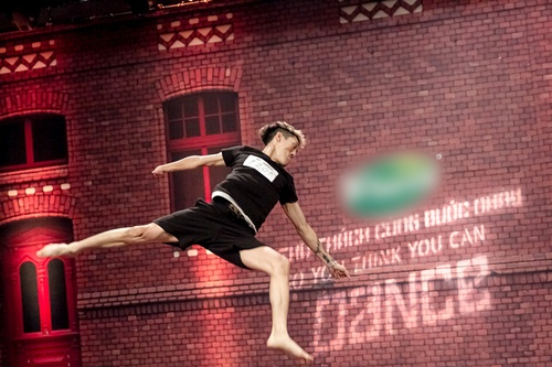 Vũ công 1 tay gây bất ngờ tại Thử thách cùng bước nhảy 2015 - 4