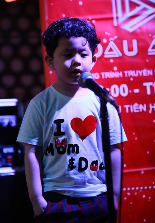 Vắng Trương Quỳnh Anh, Tim đảm đang chăm sóc con trai - 5