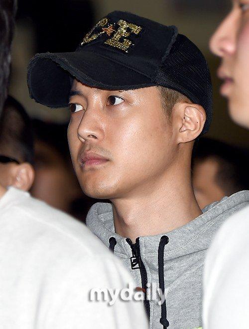 Bạn gái cũ sắp sinh, Kim Hyun Joong hứa có trách nhiệm - 1